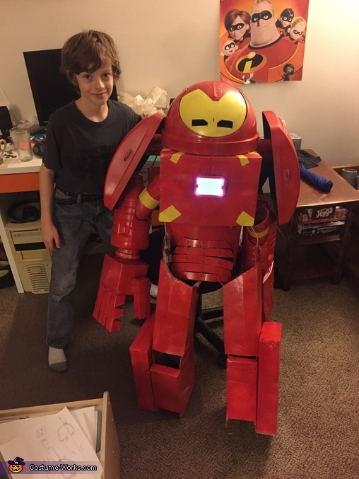 Halloween night, Iron Man - Hulkbuster Costume