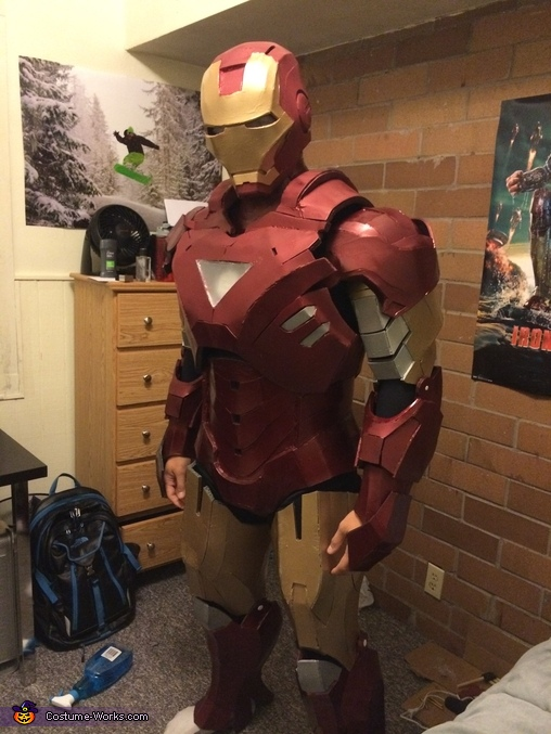 Lights off, Iron Man Mk VI Costume