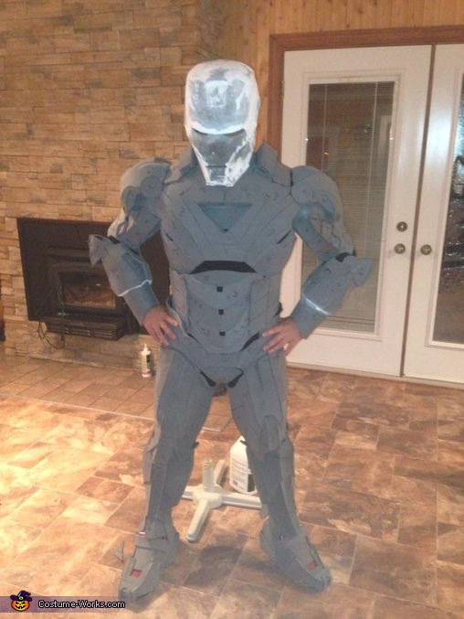 5th month, Ironman Mark VI Costume