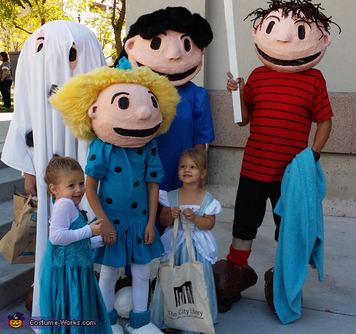 Charlie Brown and the Gang with fans at a local Event, It's the Great Pumpkin, Charlie Brown Costume