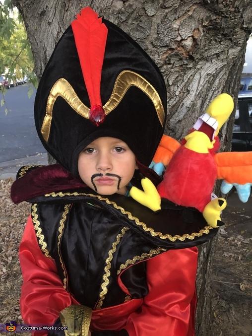 Close up of face, Jafar Costume