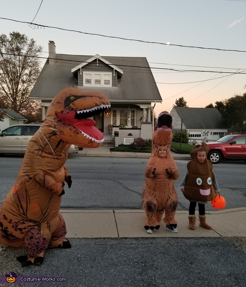 Jeff and Uncle, Jeff the T-Rex Costume