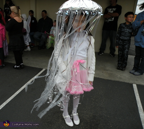 The wind blows and makes her tentacles moves freely, Homemade Jellyfish Costume