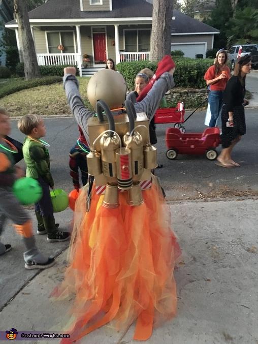 The actual jetpack, Jetpack Boy Costume