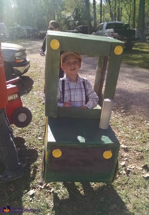 John Deere front, John Deere Tractor Costume