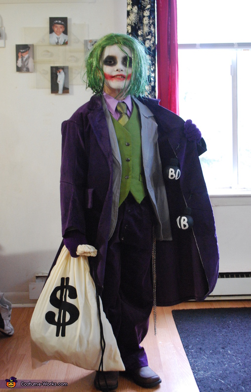 Will the real Batman please stand up..., The Joker Costume