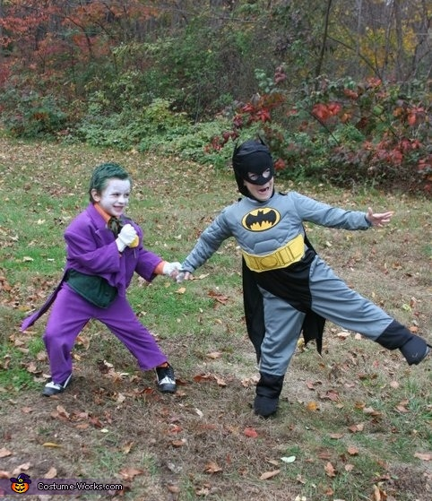 using a joy-buzzer on batman, Joker Costume