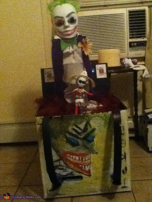 Box and Face, The Super Joker and his little Minion Costume