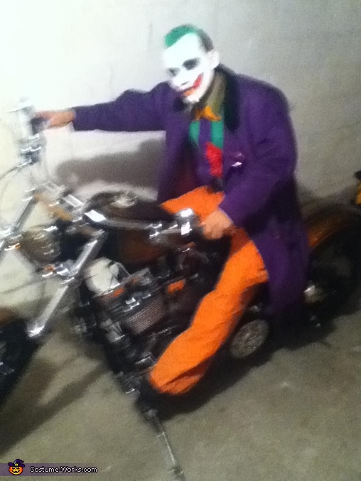 The Super Joker On Bike, The Super Joker and his little Minion Costume