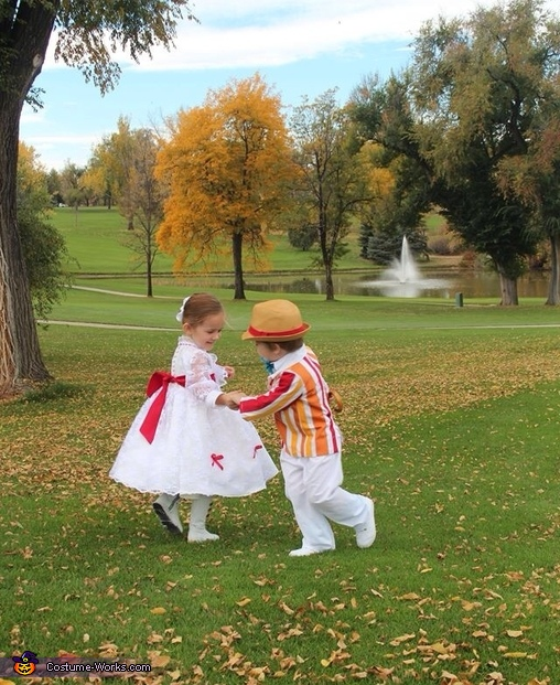 Bert & Mary Poppins playing , Jolly Holiday Mary Poppins & Bert Costume