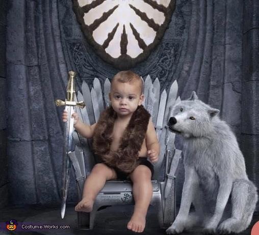 Jon Snow, Ghost and The Iron Throne Costume