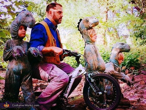 Owen and his raptors, Jurassic World Costume