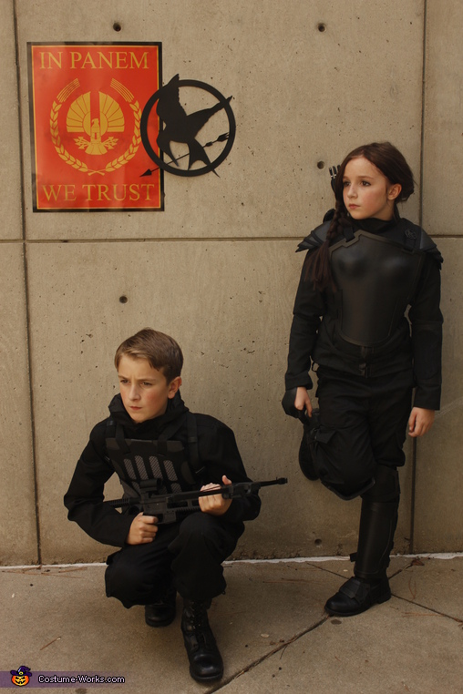 The Mockingjay, Katniss and Gale Costume