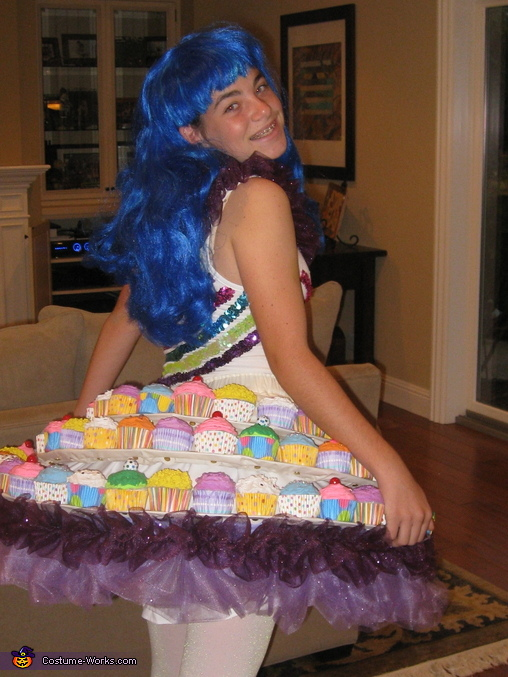 Paigey Perry, Katy Perry's Cupcake Dress Costume