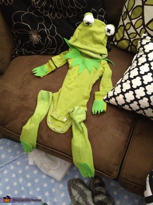 The costume, Kermit the Frog Baby Costume