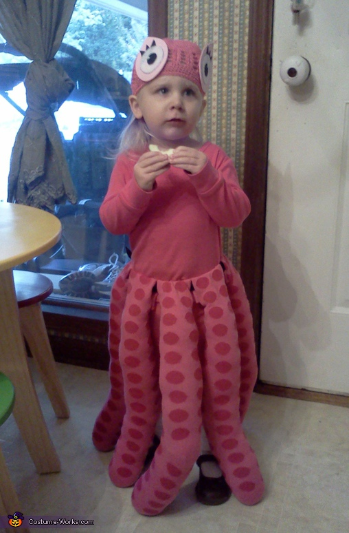 KG the Octopus, Momma's Little Cupcake Costume