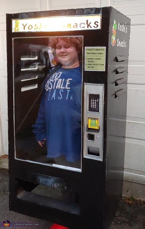 Kid stuck in a Vending Machine Homemade Costume