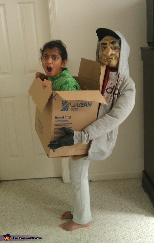 Illusion costume ideas - Kidnapped! Illusion Costume  sc 1 st  Costume Works & 65 Coolest DIY Illusion Costumes