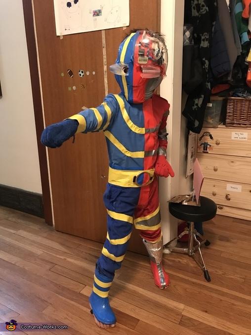 Kikaida Costume