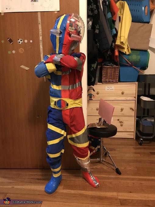 Kikaid 3, Kikaida Costume