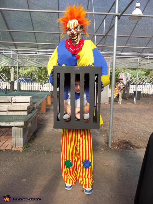 Get me out please!, Killer Clown captures Boy Costume