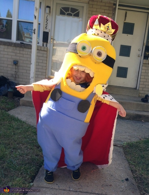 King Bob Minion Costume