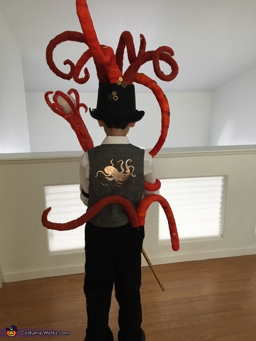 King Kraken back view, King Kraken Costume