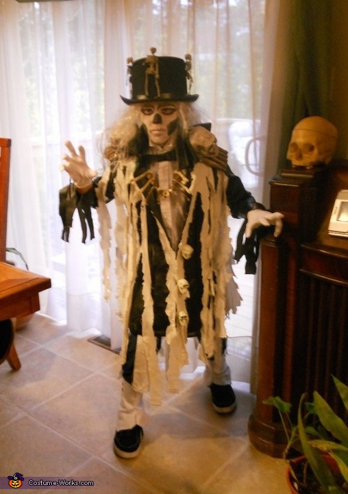 Happy Halloween, King of the Ghouls Costume