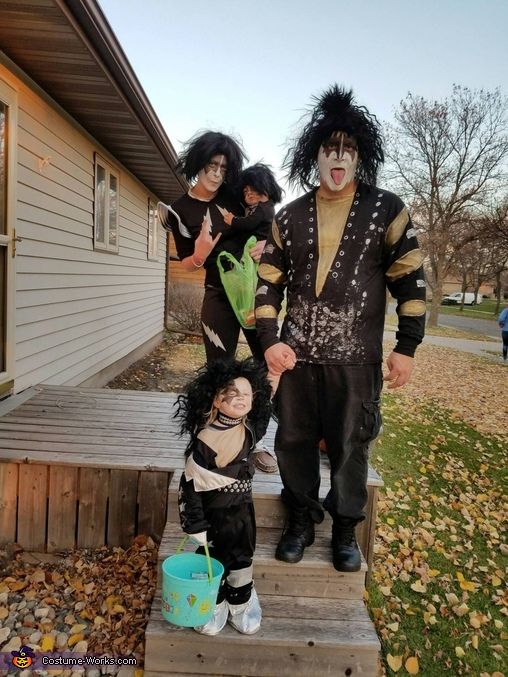 Party every day!, Kiss Costume