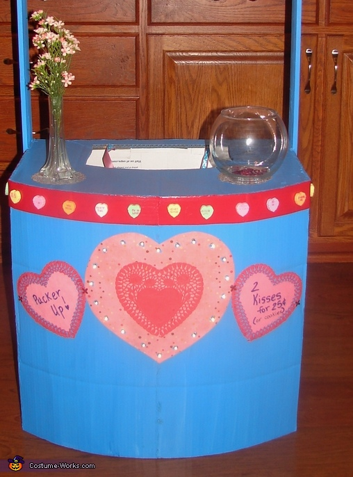 Base of Kissing Booth, Kissing Booth Costume