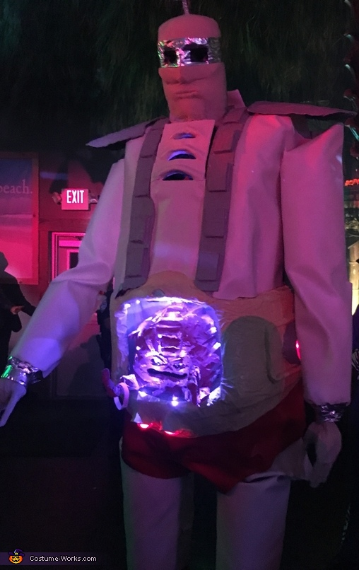 Lights on, Krang's Android Costume