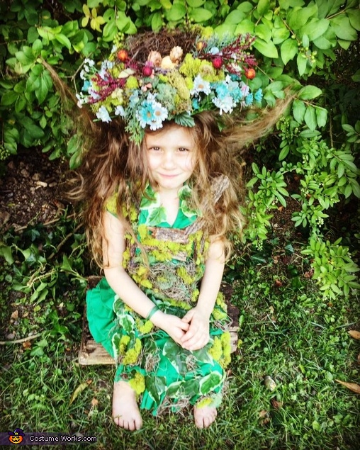 "Mother Nature ...""Nature is not only a place to visit. It is home."" - Gary Snyder Reuse of green dress, real bark and moss from my wedding, .99 thrift store nest., Kurt Cobain Costume"