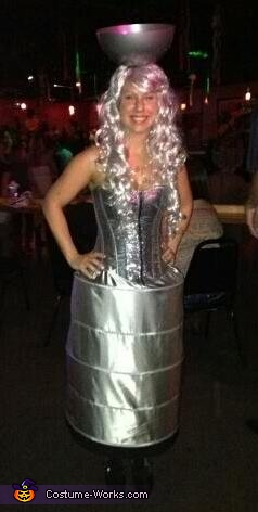 Girlfriend / Stanley Cup, LA Kings player with Stanley Cup Costume