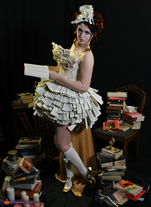 Lady Literature Costume