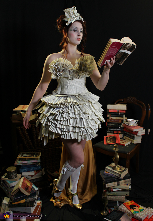 A Novel Idea, Lady Literature Costume