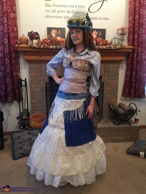 Lady T'luluh Poulpé - costume front, Lady T'luluh Poulpé Costume