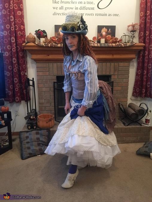 Lady T'luluh Poulpé - showing lace boots, Lady T'luluh Poulpé Costume