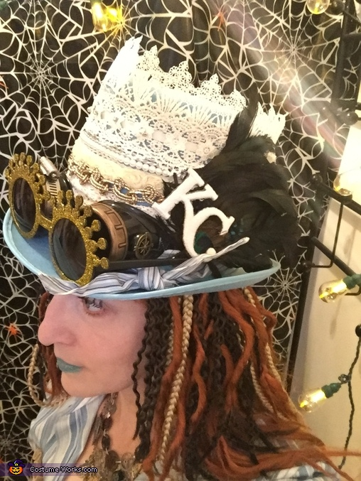 Lady T'luluh Poulpé - hat view, Lady T'luluh Poulpé Costume