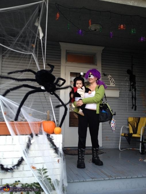 Futurama Leela and Nibbler Costume