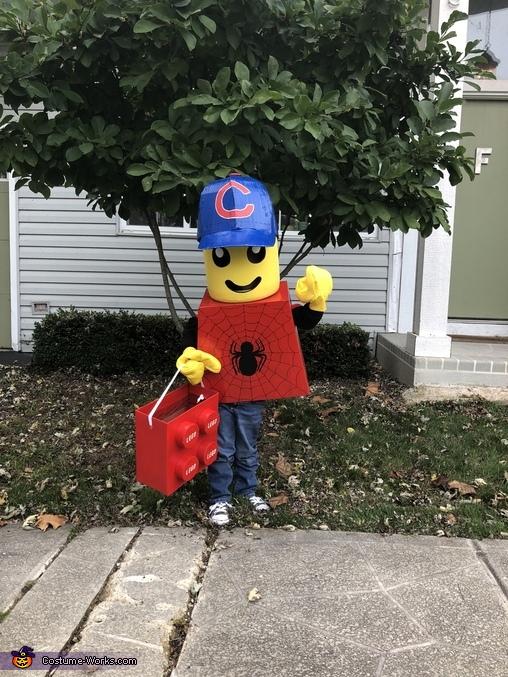 LEGO Cubs Fan mini figure, LEGO Mini Figure Family Costume