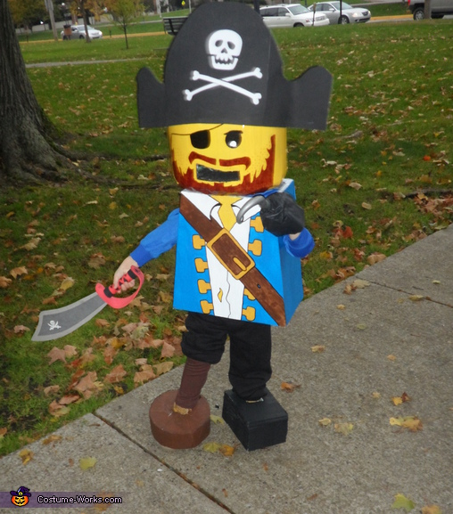 Lego Mini Figure Pirate - Homemade costumes for boys