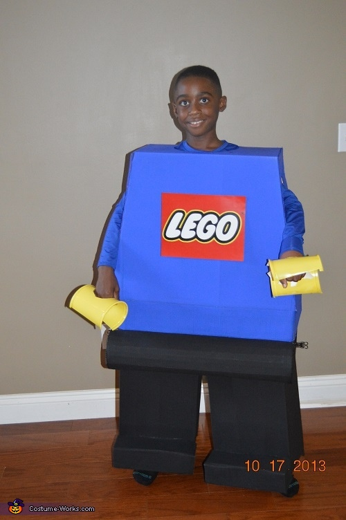 Previewing it before it was complete, before the new head., Lego Minifigure Costume