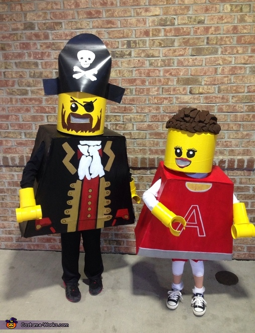 You can see the hands better here, Lego Pirate and Cheerleader Costume
