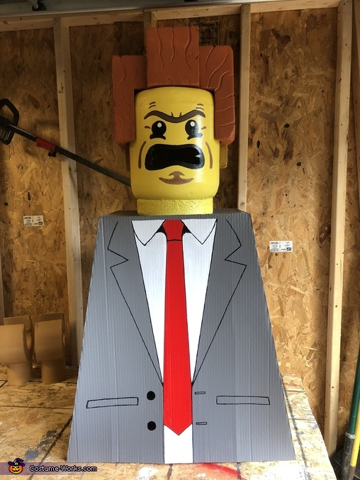 Building Process, Lego President Business Costume