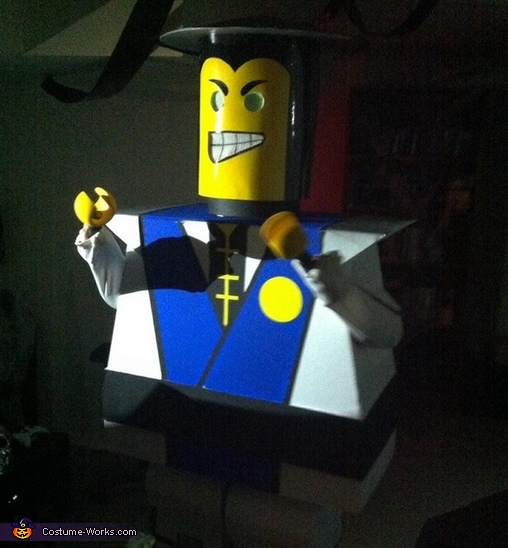 Glowing eyes, Lego Raiden Costume