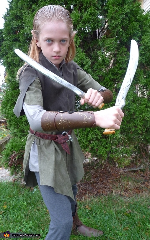 Legolas with his knives, Legolas Costume