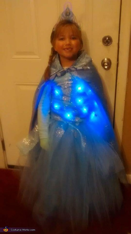 Elsa 2, Light up Elsa Costume