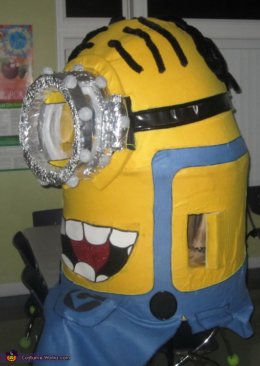 Side View, Light up Minion Costume