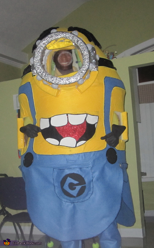 Minion Front View, Light up Minion Costume