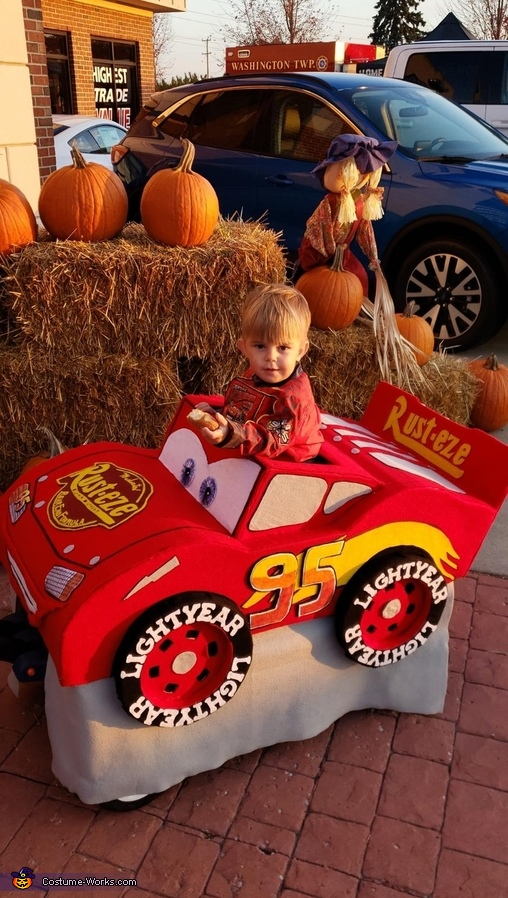 Lightening McQueen Costume